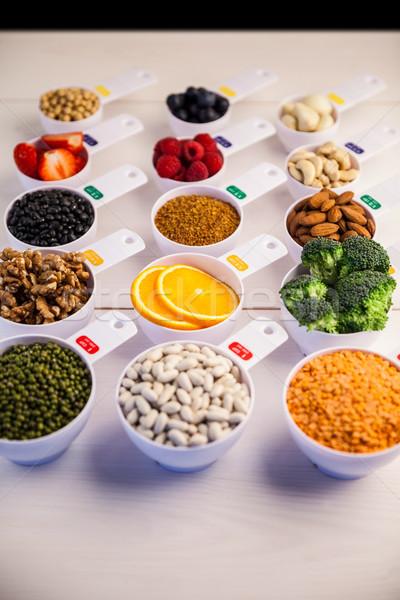 Porción saludable ingredientes mesa de madera fresa Foto stock © wavebreak_media