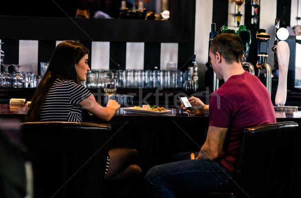 Coppia vetro vino uomo bar Foto d'archivio © wavebreak_media