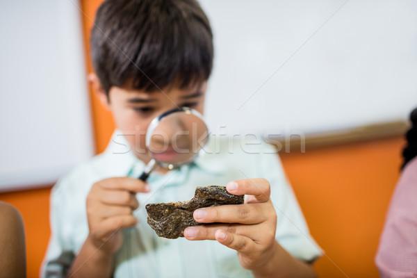 çocuklar bakıyor okul çocuk sınıf Stok fotoğraf © wavebreak_media