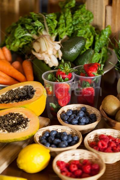 различный плодов овощей плетеный корзины здоровья Сток-фото © wavebreak_media