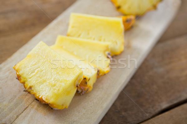 Plastry ananas deska do krojenia owoców tabeli śniadanie Zdjęcia stock © wavebreak_media