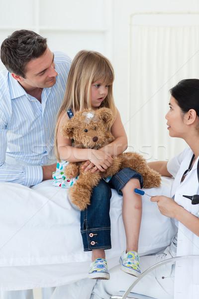 Női orvos kislányok reflex kórház nő Stock fotó © wavebreak_media