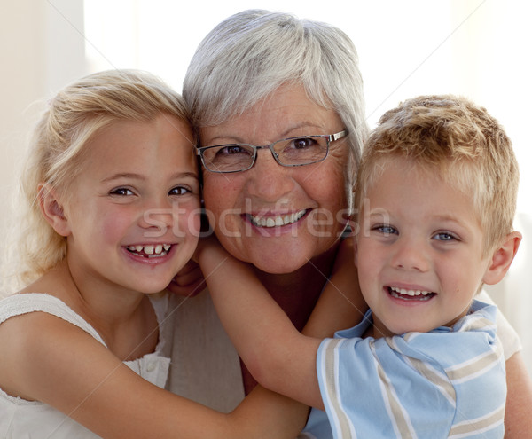 Portrait grand-mère petits enfants souriant famille Photo stock © wavebreak_media