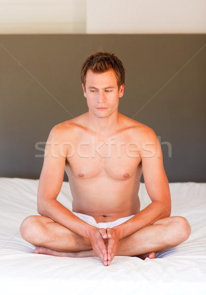 Yoga cama atractivo deporte cuerpo Foto stock © wavebreak_media