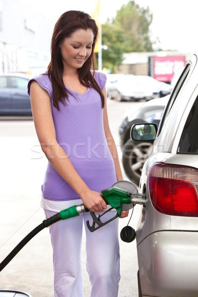 Csinos nő megtankol autó szolgáltatás állomás ipar Stock fotó © wavebreak_media