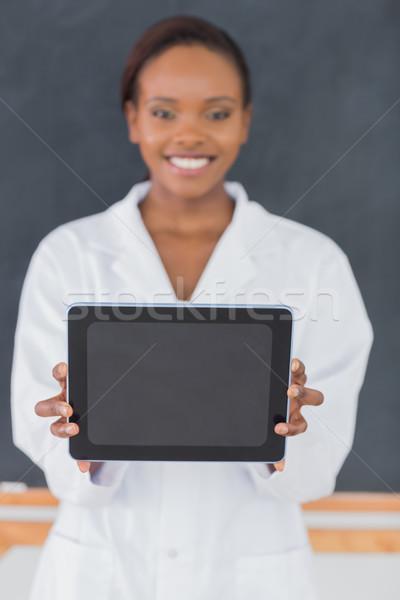 Fókusz afroamerikai nő tart táblagép osztályterem iskola Stock fotó © wavebreak_media