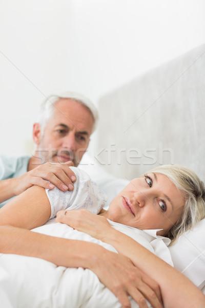 Mulher homem maduro cama casa casa feminino Foto stock © wavebreak_media