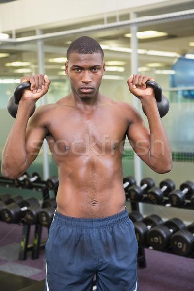 Sin camisa muscular hombre gimnasio Foto stock © wavebreak_media