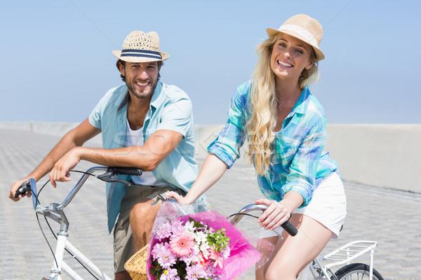 Сток-фото: Cute · пару · велосипедов · счастливым · лет