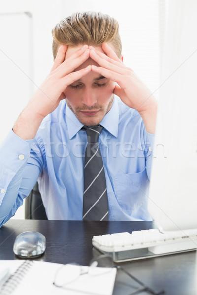 Fatigué affaires mains visage bureau ordinateur Photo stock © wavebreak_media