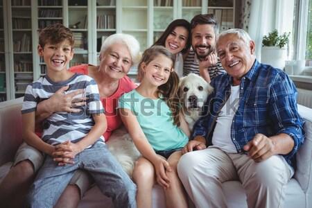 Zdjęcia stock: Rodziców · dzieci · dywan · labrador · domu · salon