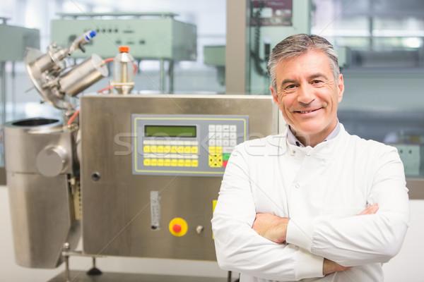 Senior apotheker glimlachend camera laboratorium technologie Stockfoto © wavebreak_media