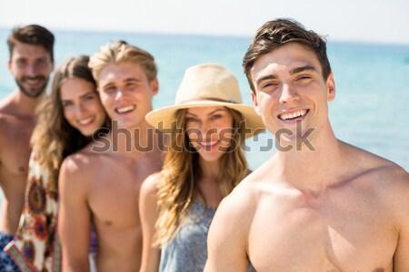 Mutlu arkadaşlar an plaj Stok fotoğraf © wavebreak_media