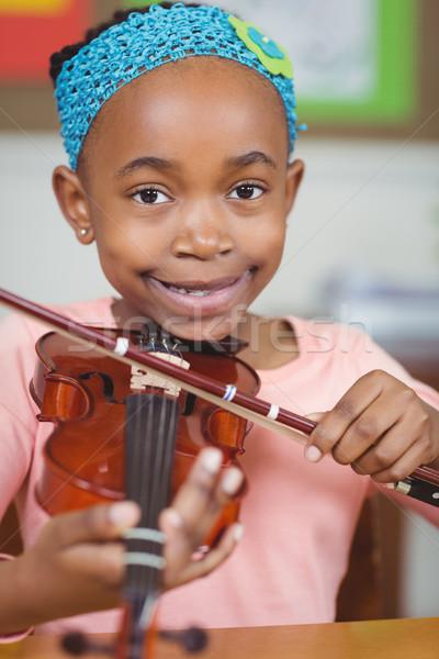 Mosolyog játszik hegedű osztályterem lány iskola Stock fotó © wavebreak_media