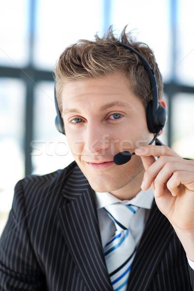 Jungen Geschäftsmann Headset Call Center sprechen Büro Stock foto © wavebreak_media