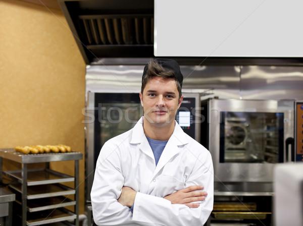 Vrolijk bakker permanente keuken baguettes kachel Stockfoto © wavebreak_media