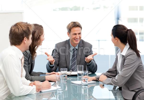 Manager parlando squadra riunione ufficio business Foto d'archivio © wavebreak_media