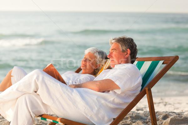 Foto stock: Hombre · lectura · libro · esposa · dormir · mujer