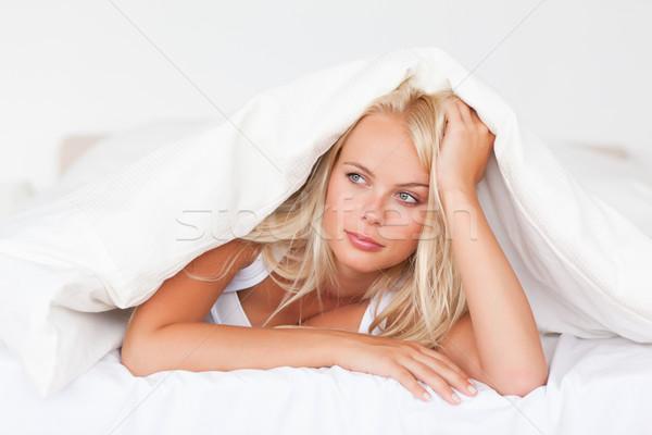 Nő hálószoba arc szépség pihen ágy Stock fotó © wavebreak_media
