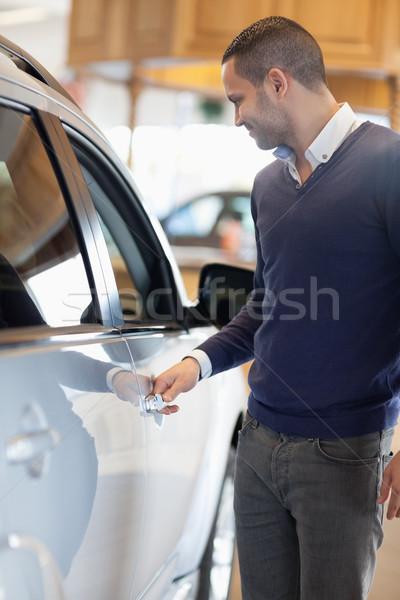 Adam araba işlemek garaj eller Stok fotoğraf © wavebreak_media