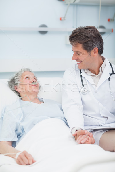 Lekarza strony pacjenta szpitala człowiek Zdjęcia stock © wavebreak_media