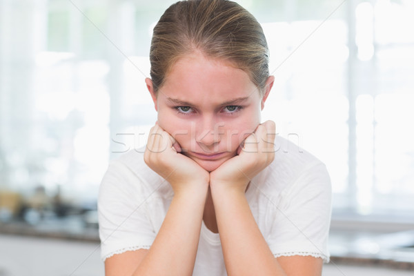 動揺 女の子 見える カメラ ホーム キッチン ストックフォト © wavebreak_media