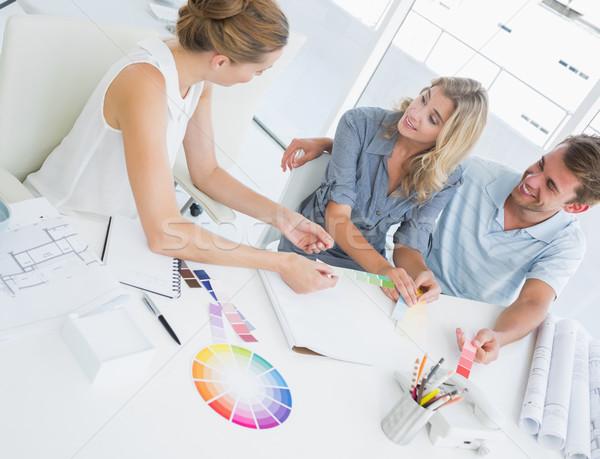 Grupo trabalhando projetos brilhante escritório projeto Foto stock © wavebreak_media