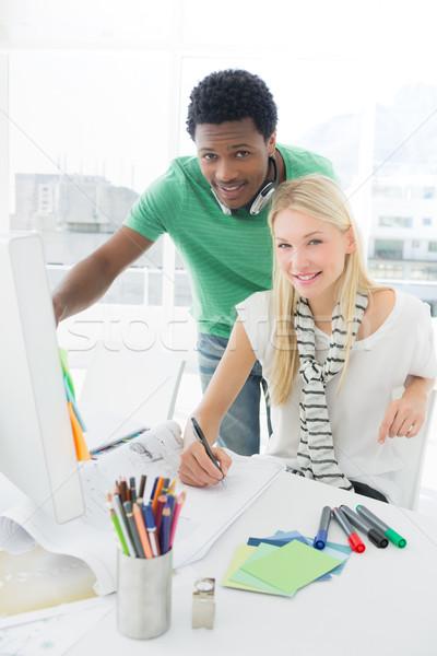 Artista disegno qualcosa carta pen Foto d'archivio © wavebreak_media