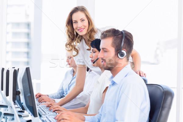 Zdjęcia stock: Kierownik · komputerów · widok · z · boku · biuro · komputera