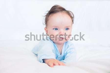 прелестный ребенка кровать мальчика дома Сток-фото © wavebreak_media