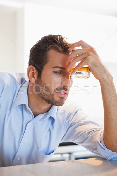 Ubriaco imprenditore whiskey vetro fronte locale Foto d'archivio © wavebreak_media