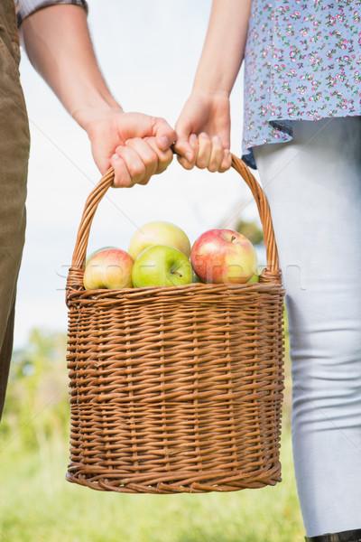 Photo stock: Couple · panier · pommes · femme