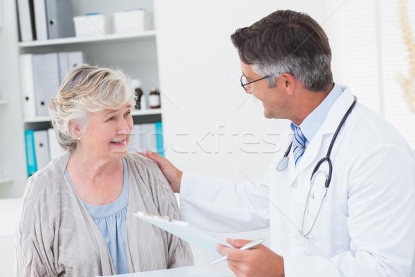 Orvos idős nő klinika férfi orvos férfi Stock fotó © wavebreak_media