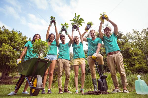 счастливым друзей садоводства сообщество человека Сток-фото © wavebreak_media