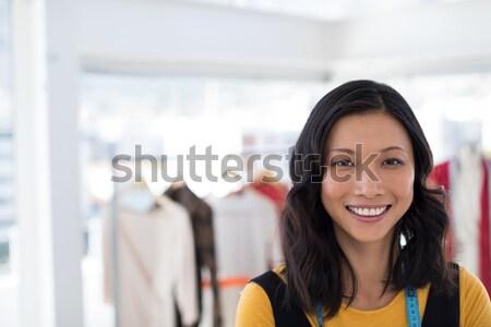 Glimlachend zakenvrouw collega's kantoor portret jonge Stockfoto © wavebreak_media
