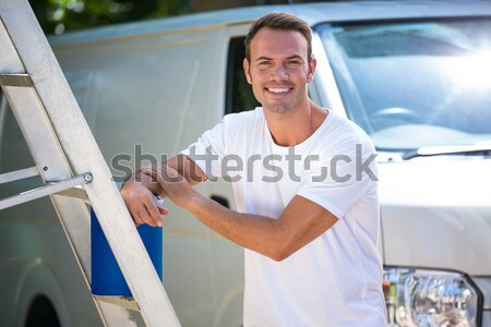 Souriant homme portrait permanent heureux Photo stock © wavebreak_media