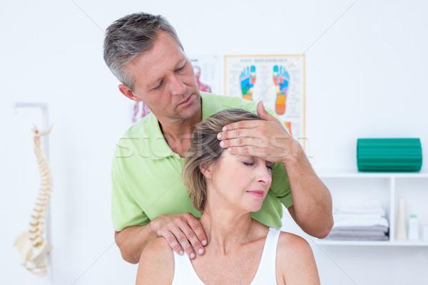 Orvos nyak beállítás orvosi iroda egészség Stock fotó © wavebreak_media