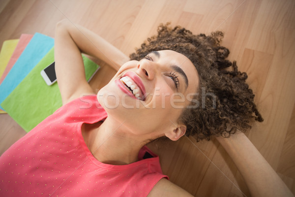 Jovem criador empresária terreno sorridente negócio Foto stock © wavebreak_media