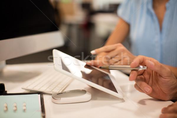 画像 ビジネス 同僚 デジタル タブレット ストックフォト © wavebreak_media