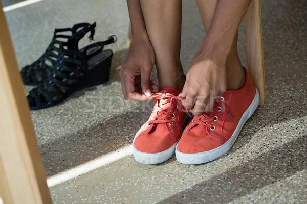 Bajo mujer lienzo zapatos Foto stock © wavebreak_media