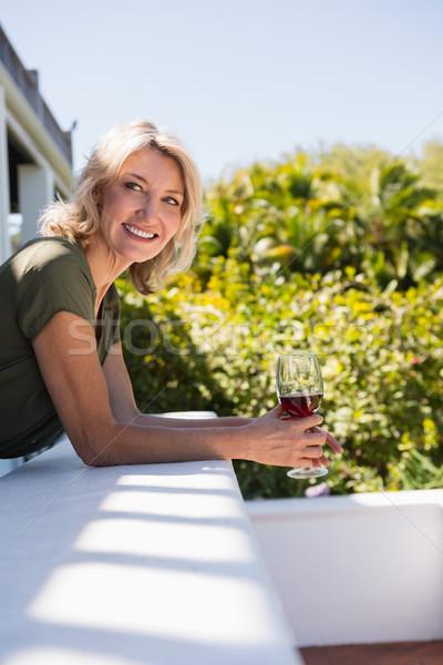 Adulto mulher vinho tinto parede restaurante Foto stock © wavebreak_media