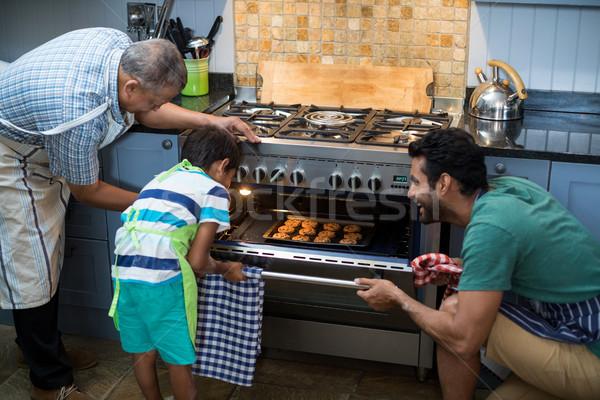 Familie cookies oven home liefde keuken Stockfoto © wavebreak_media