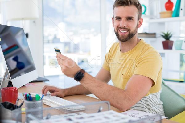 Férfi igazgató online vásárlás számítógép asztal iroda Stock fotó © wavebreak_media