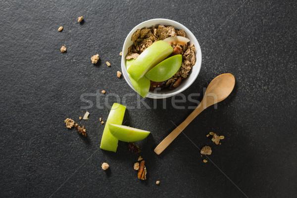 Tál reggeli gabonafélék gyümölcsök fekete fitnessz Stock fotó © wavebreak_media