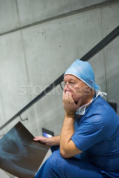 Maschio chirurgo Xray scala Foto d'archivio © wavebreak_media