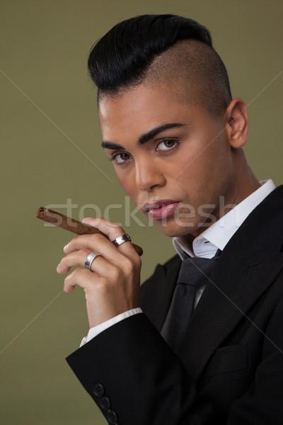 トランスジェンダー 女性 たばこ 緑 家具 ストックフォト © wavebreak_media
