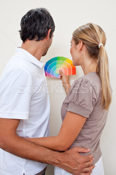 Сток-фото: счастливым · пару · цвета · краской · спальня