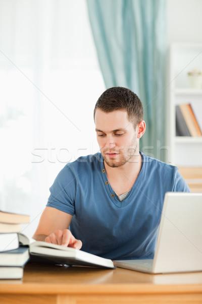 男性 学生 ノートブック 宿題 図書 学校 ストックフォト © wavebreak_media