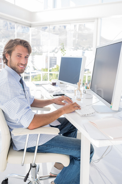 счастливым дизайнера рабочих столе современных служба Сток-фото © wavebreak_media