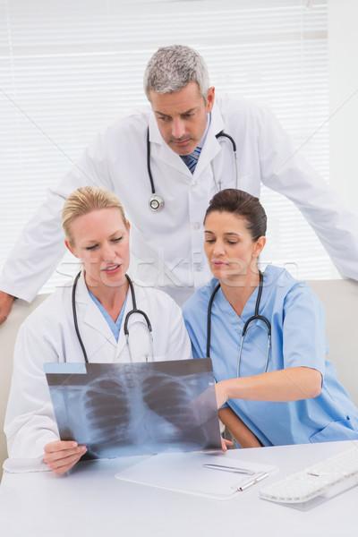 Doktorlar bakıyor tıbbi ofis kadın adam Stok fotoğraf © wavebreak_media